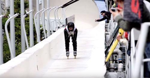 Skeeleren op een bobsleebaan