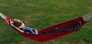 Uitrusten in een hangmat