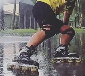 Skeeleren in de regen